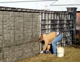 Jól véd a betonkerítés